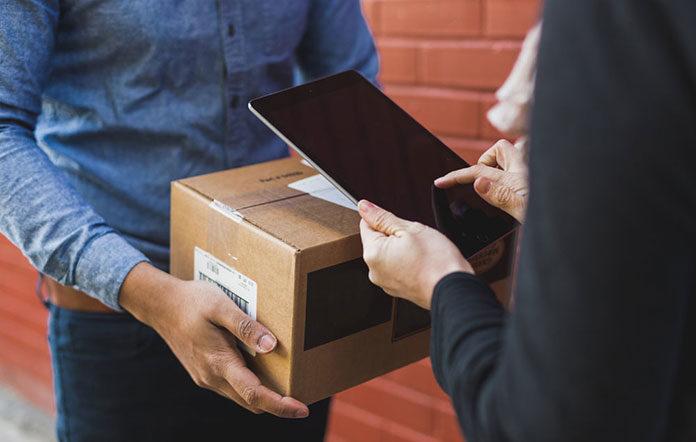 Dlaczego warto skorzystać z usług platformy logistycznej oferującej usługi kurierskie?