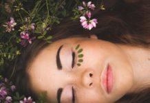 Oczyszczanie cery – w domu czy u kosmetyczki?